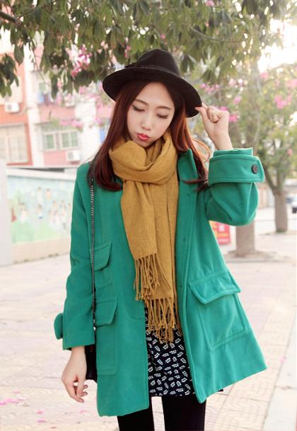 搭配:颜色超美的墨绿外套