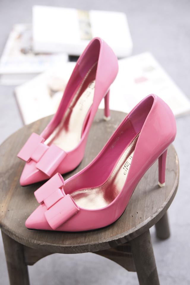 蝴蝶结鞋子-鞋子蝴蝶结的系法图解|最简单的蝴蝶结4步