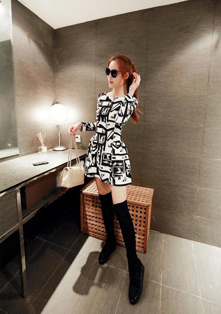 黑白花纹针织连衣裙-来自蘑菇街优店