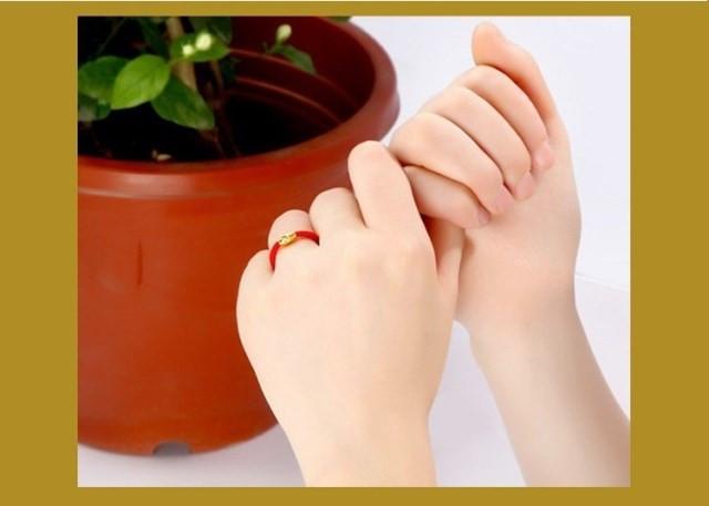 今年最流行的时尚转运珠戒指