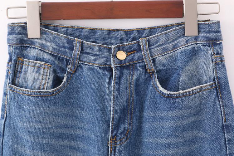 裤长:长裤 腰型:中腰 裤型:垮裤 面料:牛仔布 厚薄:普通 细节:破洞,水