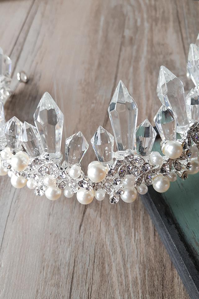 【新娘饰品欧式白色水晶柱珍珠皇冠头饰影楼演出年会