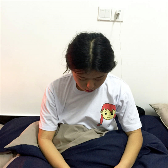 可爱手绘小人儿情侣短袖t恤
