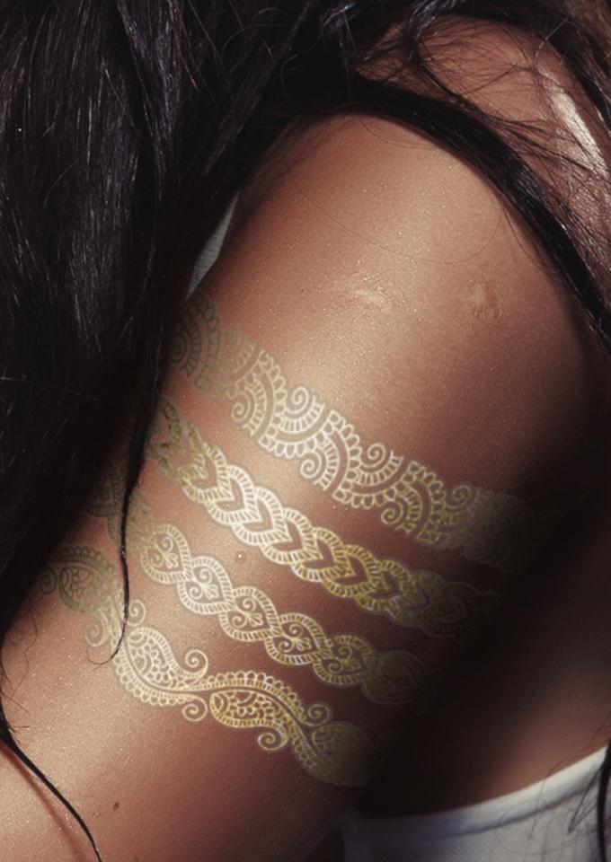 商品描述 潮流达人款 烫金防水纹身贴  邓紫棋春晚 碧昂斯度假 比伯图片