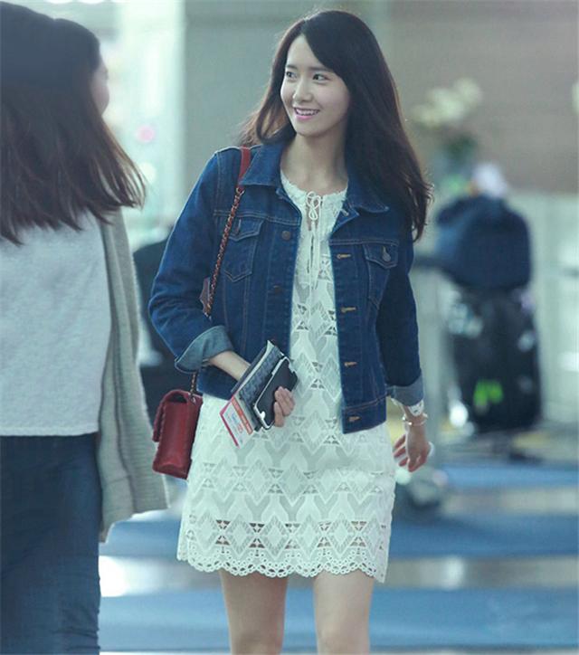 林允儿明星同款韩版小清新白色镂空花边七分袖蕾丝连衣裙